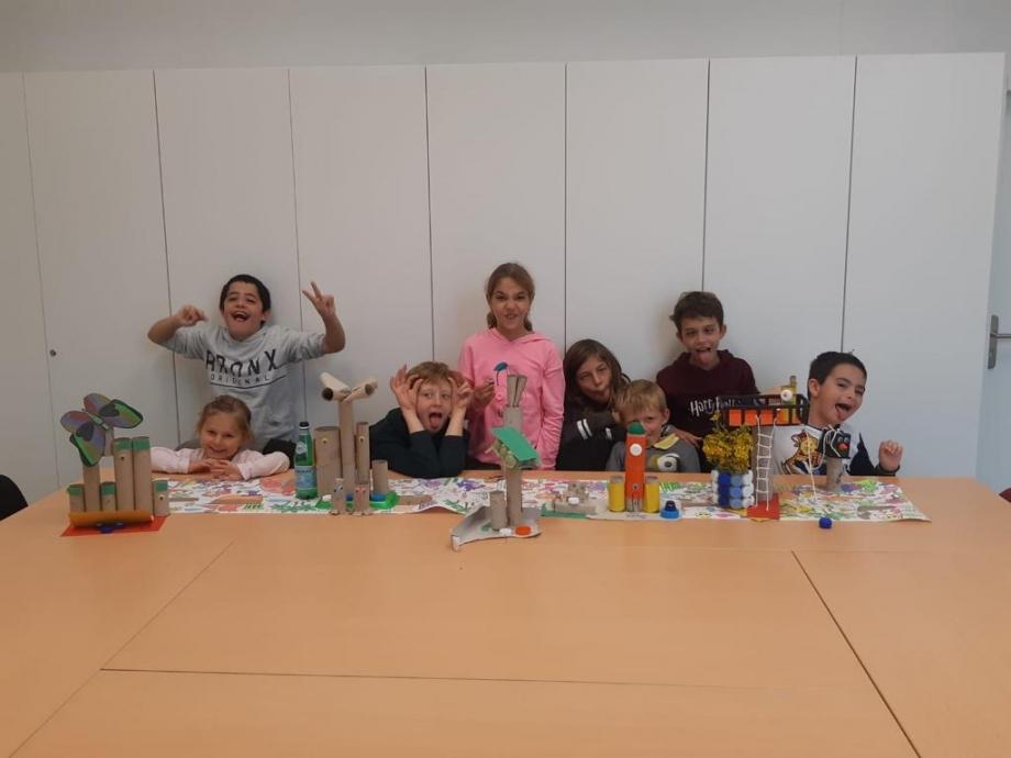 atelier pilautis 06 enfant heureux qui jouent